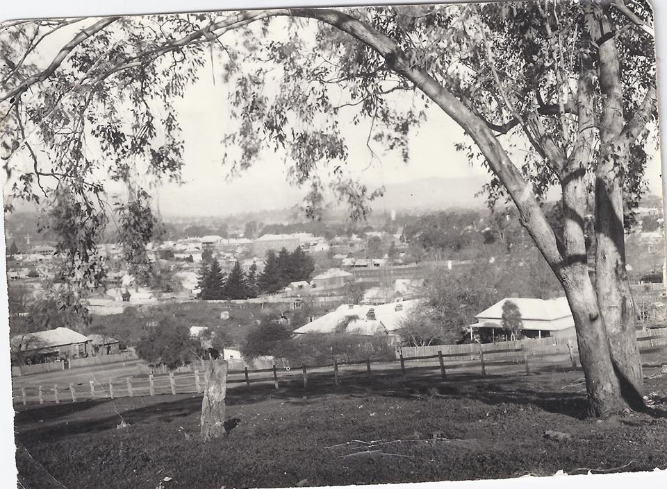 Tumut 1920s. From cnr. of Simpson and Carey st. Photo by Clarrie Regent. Posted on Lost Tumut on Facebook.